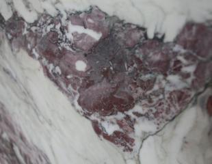 Красный и Белый мрамор Breccia Lilla (Брехчия Лила)