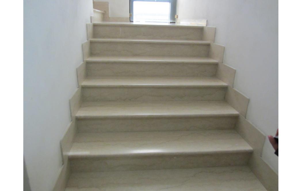 Мраморные лестницы. Гранитные ступени.