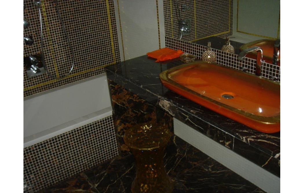 столешницы для ванны - Черный мрамор Nero Portoro (Неро Порторо)