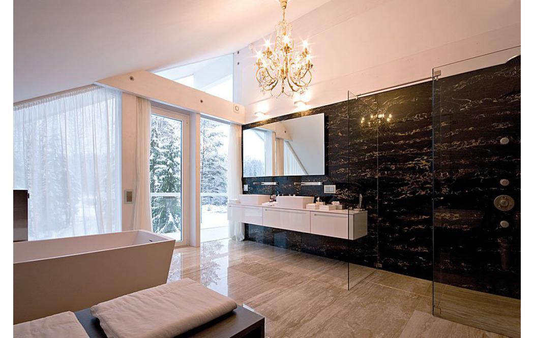 Carrara commerciali dei prezzi degli immobili