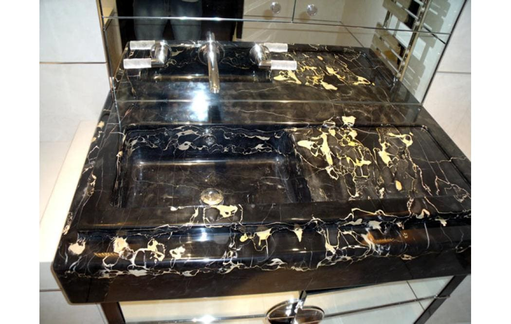 столешницы для ванной комнаты - Черный мрамор Nero Portoro (Неро Порторо)